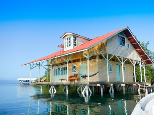 Unbelieveable House Over the Water!